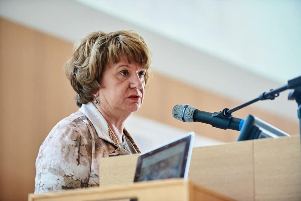 Presentatie van Mariëtte Hamer tijdens de startbijeenkomst NAP (Netherlands Academy of Philanthropy) in het Vredespaleis, Den Haag.